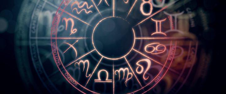 Čo o vás odhalí horoskop? Váhy majú vkus, škorpión zase komplikácie